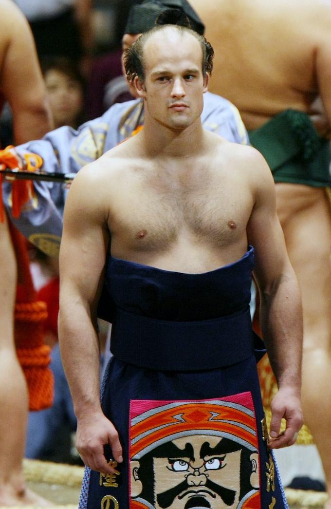 98キロ、巨漢に挑むチェコ人力士 大相撲・隆の山(上): 日本経済新聞