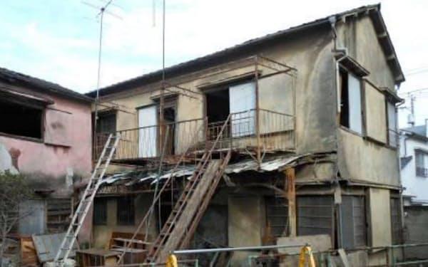 足立区では老朽家屋2軒を解体した