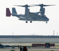 岩国基地上空を飛行する米軍のオスプレイ