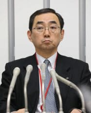 公開質問状を提出し記者会見する日本原電の増田副社長(11日、東京・大手町)