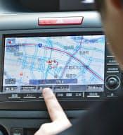 ホンダの「インターナビ・リンク」では走行中の車が情報を集め、より細かな道路状況も表示できる