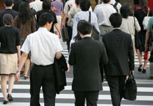 40年までに働き手は550万人減り、高齢者は387万人増える