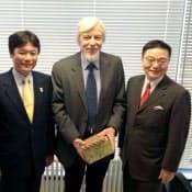 福岡・佐賀両県知事はスイスのCERNを訪問、整ったインフラを訴えた(5月13日)