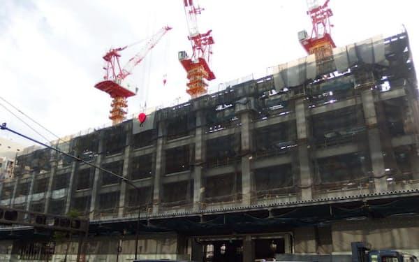 首都圏ではオフィスやマンションの建設も活発(東京・日本橋)