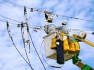 九電は設備投資を抑制してきた(管内の電線工事)