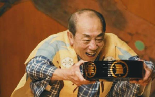 「抜殻」の太郎冠者を演じる茂山千五郎=写真 東條 睦子