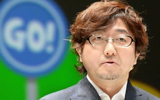 9日、事業戦略発表会で質問に答える森川社長(千葉県浦安市)