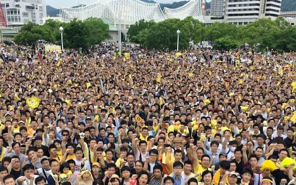 参院選に向けた集会に集まった有権者(6月、神戸市)