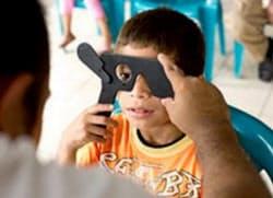 ワービーパーカーで購入すると発展途上国のメガネ普及に貢献できる