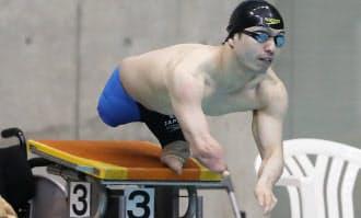 鈴木は金メダルをとった北京大会の予選で世界記録をマーク。パワフルな泳ぎが持ち味