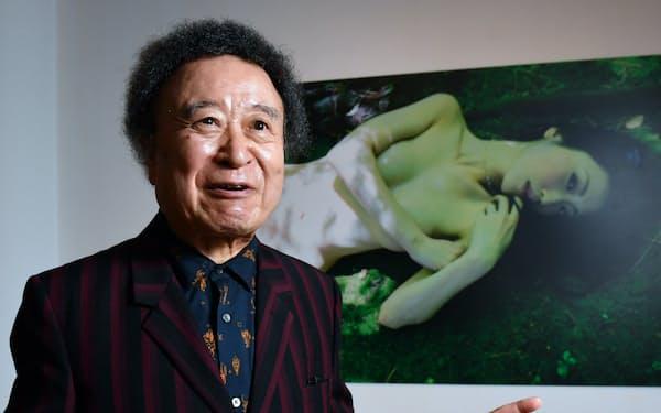 しのやま・きしん 1940年東京生まれ。日大芸術学部卒。三島由紀夫、宮沢りえら、時代を象徴する人物を撮影してきた。