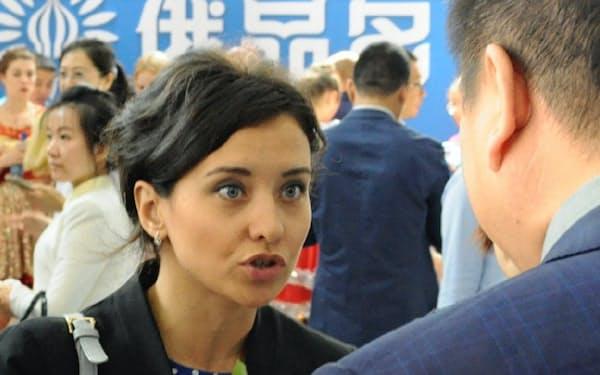フェドトワさんは11歳の時、中国の第2代主席のひ孫だと知った