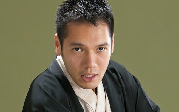12月29日には東京・博品館劇場での「大成金」に出演。芸歴10年となる来年はイイノホールや国立演芸場での独演会を予定する。