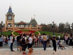 昨年6月に開業した上海ディズニーランド(中国・上海)