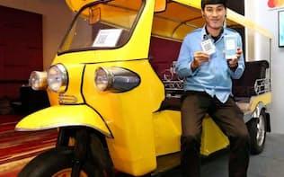 中国銀聯、ビザ、マスターが発表したQRコード決済は三輪タクシーなどでの利用を想定(バンコク)