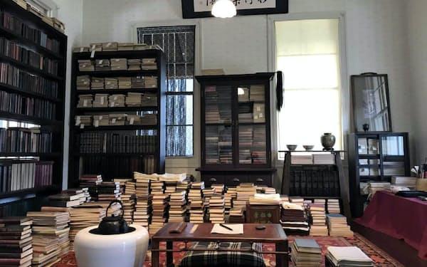 書斎の広さは10畳と割り出し、再現した