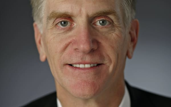 Larry Hatheway 米テキサス大博士。スイス金融大手UBSチーフエコノミストなどを経て、2015年から運用会社GAMで現職、16年投資ソリューション部門責任者兼務。