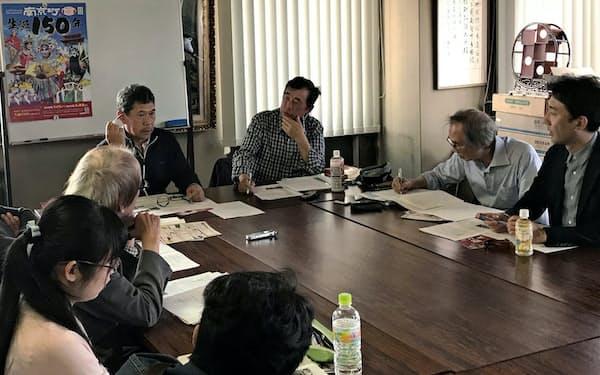神阪京華僑口述記録研究会が実施した曹氏への共同インタビュー(5月、神戸市)
