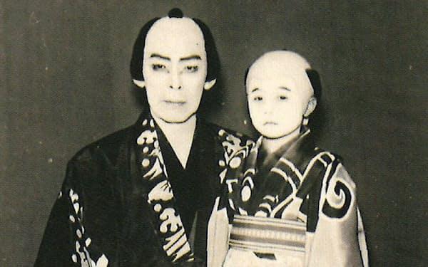 初舞台で初代の長兵衛(左)と筆者の長松