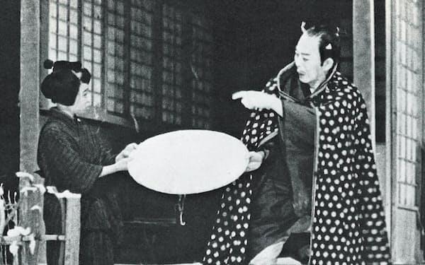 初代(右)と最後の共演となった「佐倉義民伝」