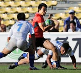7人制ラグビー男子日本代表は初の8強入りを目指す(日本代表候補チームとして出場した1日の国内大会)=共同