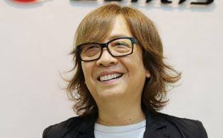 いのうえ・しゅんじ 1976年、ロックバンド「レイジー」加入。77年に17歳でプロデビュー。解散後も音楽活動を続け、90年代にはプロデューサーとしての活躍が本格化。99年にアニメ音楽を中心としたレコード会社ランティスを創業。大阪府出身。