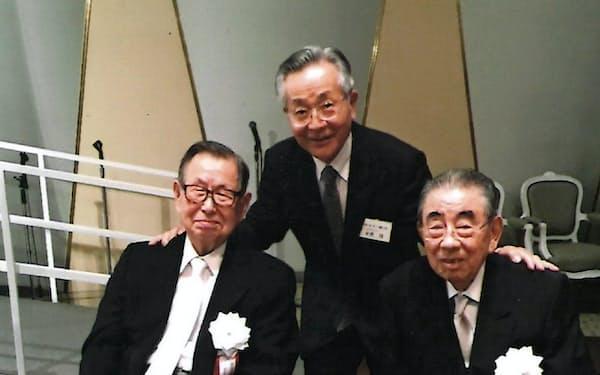 伊藤雅俊さん(左)、鈴木敏文さん(右)と(2018年6月)