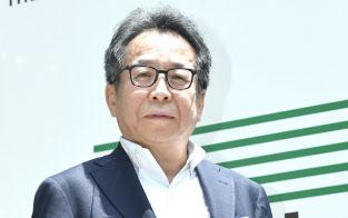 あずま・ひでや 1977年日大法卒。78年広告会社「伝創社」を設立し社長に。93年宣伝会議(新社)の社長に就任。2008年から現職。12年事業構想大学院大学、17年社会情報大学院大学を設立し、理事長を務める。神奈川県出身。