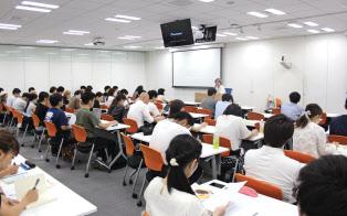 宣伝会議が開催するコピーライター養成講座。東京のほか、大阪、名古屋、福岡、札幌などでも展開している
