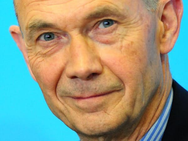 Pascal Lamy 仏財務省出身。通商担当の欧州委員を経て、2005~13年にWTO事務局長。現在は英コンサルティング会社ブランズウィックのシニアアドバイザー。71歳。