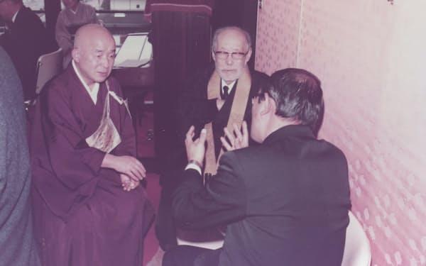 藤本龍暁先生(中)と修行でお世話になった松本実道師(左)