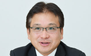 とりごえ・じゅんじ 1996年早大商卒、雪印乳業(現雪印メグミルク)入社。2002年に同社を退社し、相模屋食料に入社。04年専務取締役、07年5月から現職。京都府出身。