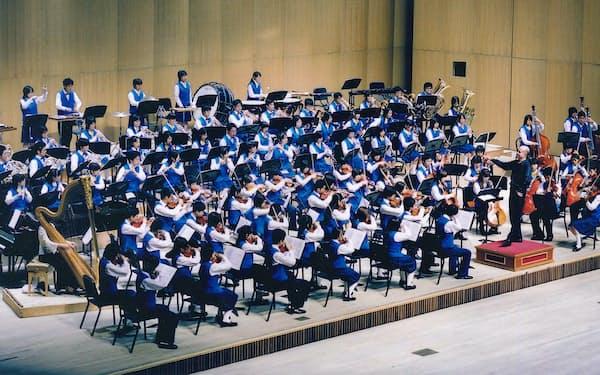 海外遠征も経験した(2005年8月のソウル公演。井上道義指揮)