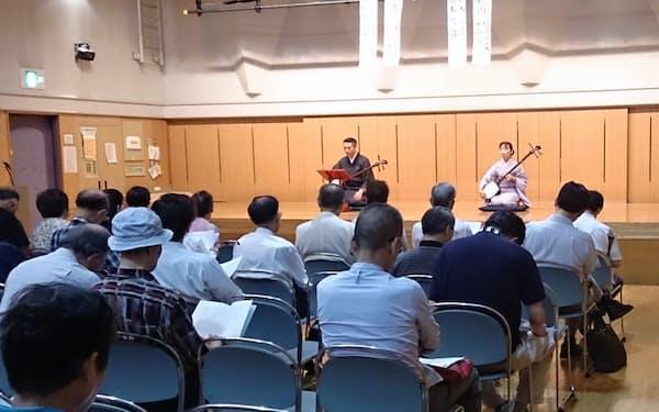 「悠遠忌」では吉村さんが好んだ古典芸能の新内が演奏されたこともある