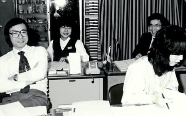 カップスープ改良時の職場(左端が筆者)
