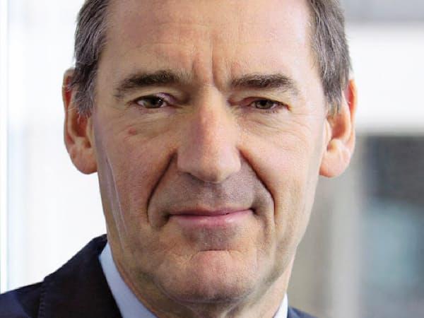 Jim O'Neill 米ゴールドマン・サックスのグローバル経済調査部長だった01年、中国やインドなどの頭文字から成る造語「BRICs」を提唱。英財務省政務次官などを経て、18年現職