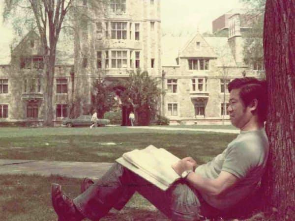 ミシガン大学の構内で