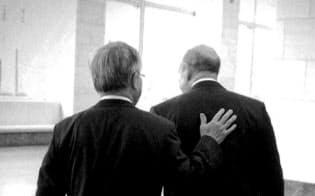 ゴールドマンのブランクファイン氏(右)は大切な盟友=同社提供