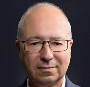 Michael Vatikiotis 英オックスフォード大博士。インドネシアなどアジアでの報道活動を経て04年、スイス拠点の人道対話センターに所属。東南アジア政治などに関する著作がある