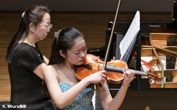 学生が出演する宮崎国際音楽祭の「新星たちのコンサート」(宮崎市の宮崎県立芸術劇場)=K. Miura撮影