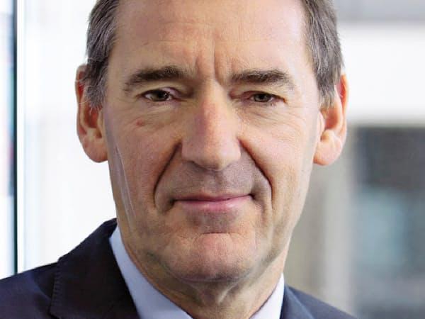 Jim O'Neill 米ゴールドマン・サックスのグローバル経済調査部長だった01年、中国やインドなどの頭文字から成る造語「BRICs」を提唱。英財務省政務次官などを経て、18年現職。