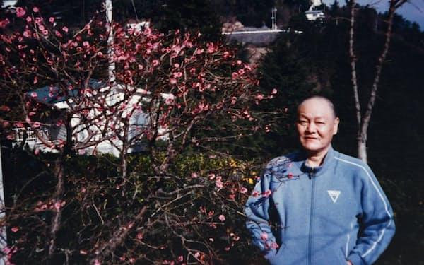 夫の嘉一は病室で脚本に目を通していた(1989年1月)