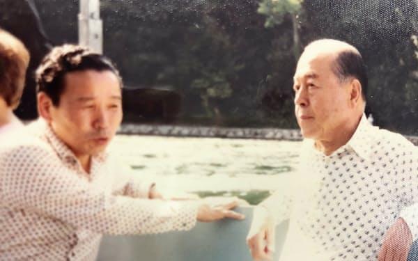 鈴木俊一都知事(右)とは都の外債発行で訪欧した(1983年)