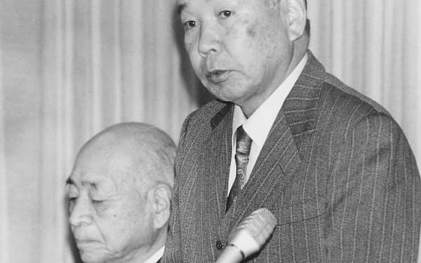 宮沢首相のあいさつを代読する筆者