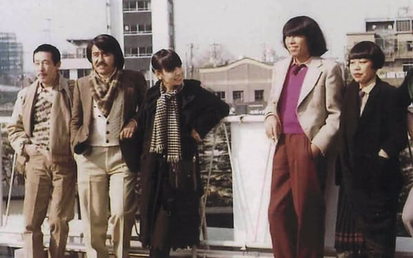 卒業後の「花の9期生」(右から筆者、高田、左から金子、松田各氏)