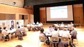 原子力発電環境整備機構(NUMO)は全国各地で説明会を開いている(5月26日、鹿児島県霧島市)=同機構提供
