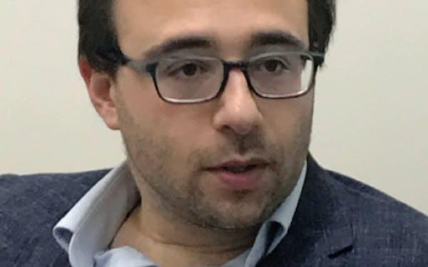 Yascha Mounk 米ハーバード大博士(政治理論)。同大講師を経て現職。18年、ポピュリズム政治に警鐘を鳴らした「民主主義を救え!」(翻訳は19年)を発表。37歳