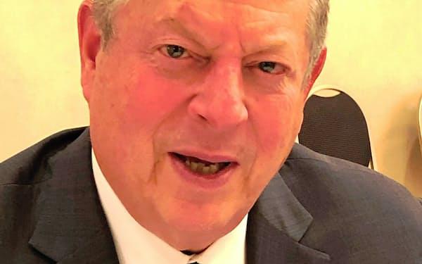 Al Gore 米下院、上院議員を経て1993~2001年クリントン政権で副大統領。政界引退後、地球環境問題の啓発活動で2007年にノーベル平和賞受賞。71歳