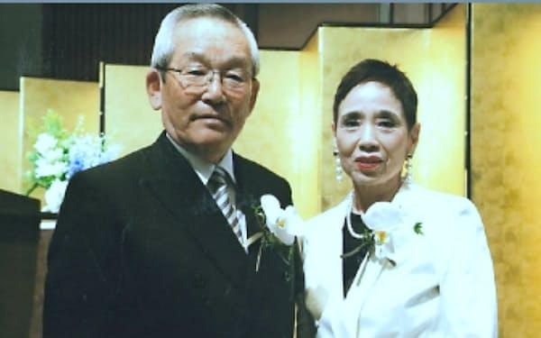 海外勤務も経験し、あと3年で金婚式を迎える(叙勲の祝賀会で)