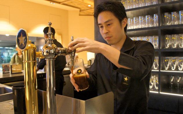 銀座の中心から次の目的地に向かう合間の時間でサクッと立ち飲みする(東京都中央区)